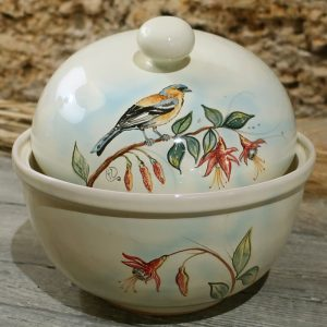 biscottiera centrotavola ceramica con uccellino fringuello dipinto a mano, centerpiece box for cookies bird finch handpainted in ceramic