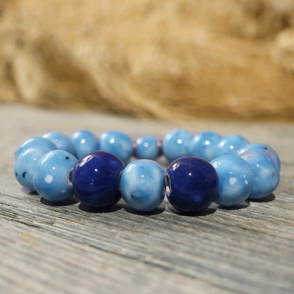bracciale celeste con perle in ceramica fatte a mano ceramiche artistiche toscana, blue ceramic bracelet tuscany bijoux