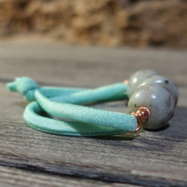 bracciale elastico turchese con ceramica, elastic turquoise bracelet in ceramic