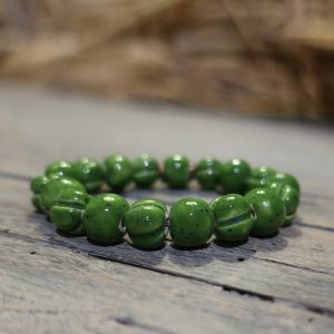 bracciale verde con perle in ceramica toscana, green tuscany bracelet with ceramic beads