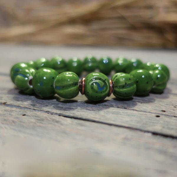 braccialetto con perle verdi in ceramica, bracelet with green ceramic beads