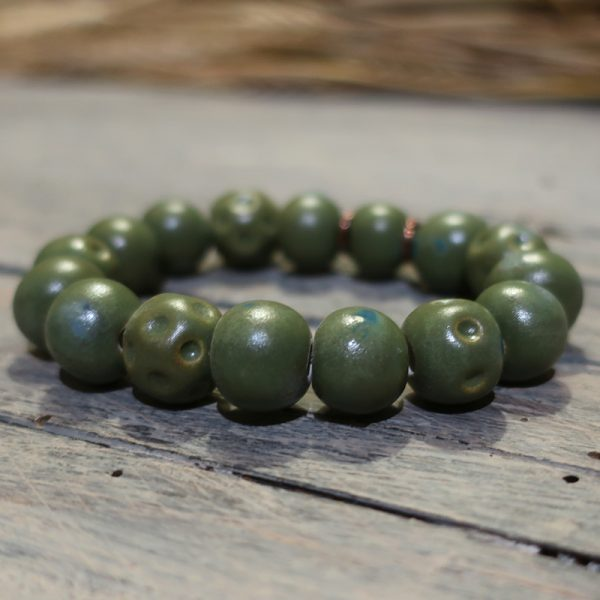 braccialetto verde con perle ceramica made in italy green bracelet with ceramic beads