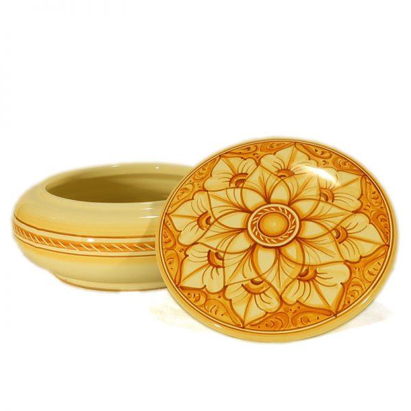 cofanetto rotondo in ceramica fatto a mano in toscana, round box in ceramic handmade in tuscany