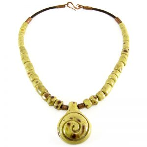 collana in ceramica con spirale, necklace in ceramic with spiral