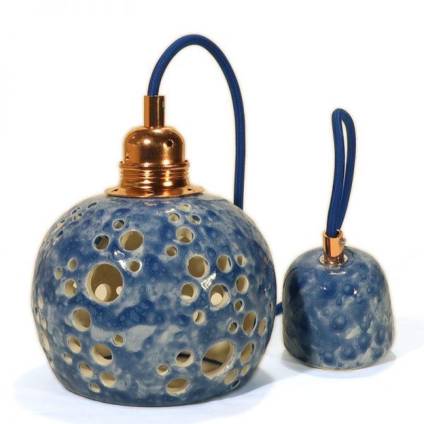 faretto blu a sospensione in ceramica fatto a mano, carved blue pendant lamp hand made in ceramic