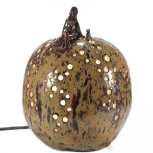 lampada sfera in ceramica donna con gatto, woman and cat ball table lamp in ceramic