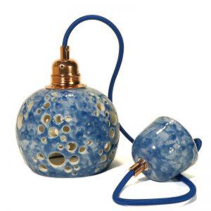 lampadario blu in ceramica con motivo traforato artigianato toscana, blue carved pendant lamp hand made in ceramic