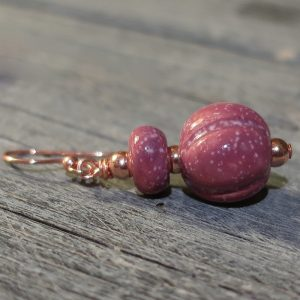 orecchini ceramica toscana color vino, wine color earrings made in ruscany