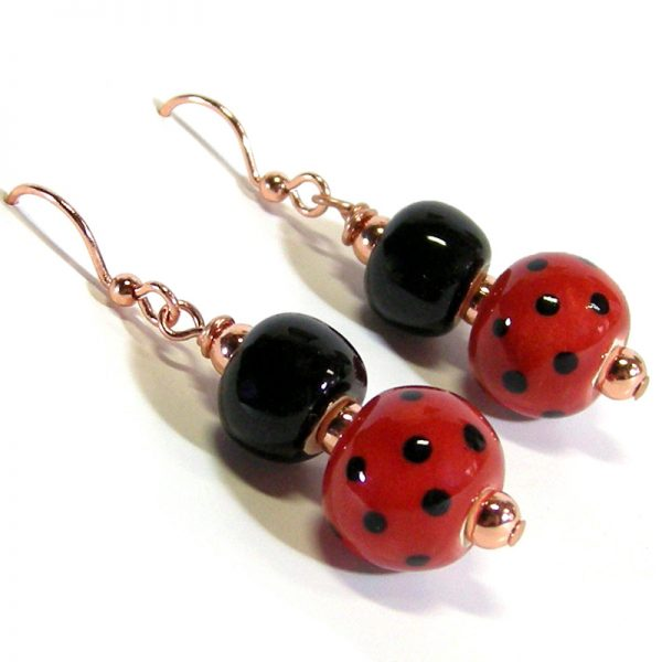 orecchini coccinella in ceramica, ladybug pottery earrings