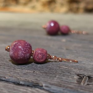 orecchini color vino rosso nobile in ceramica, burgundy earrings wine color in ceramic