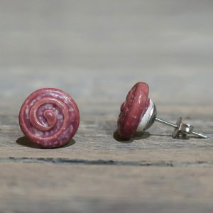 orecchini in ceramica rosso nobile con spirale made in tuscany ceramic earrings with spiral red wine color