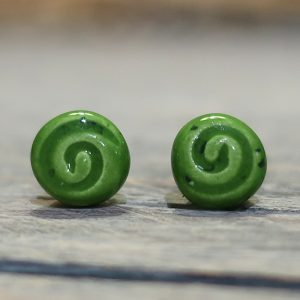 orecchini verdi in ceramica con spirale, ceramic earrings with spirals