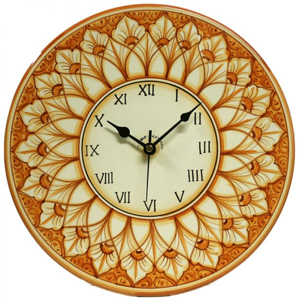 orologio a disco da parete in ceramica dipinto a mano in toscana, hand painted rounded clock in ceramic
