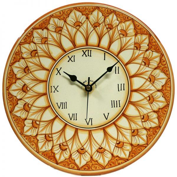 orologio a disco da parete in ceramica dipinto a mano in toscana, hand painted rounded clock in ceramic