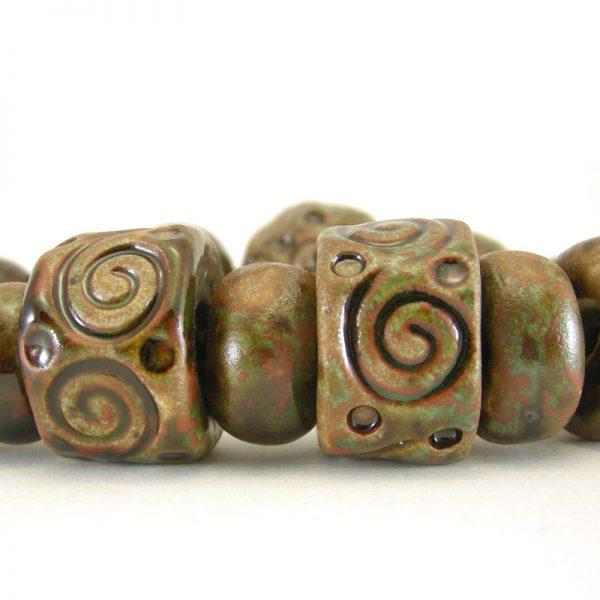 perle in ceramica con spirali, ceramic beads with spirals