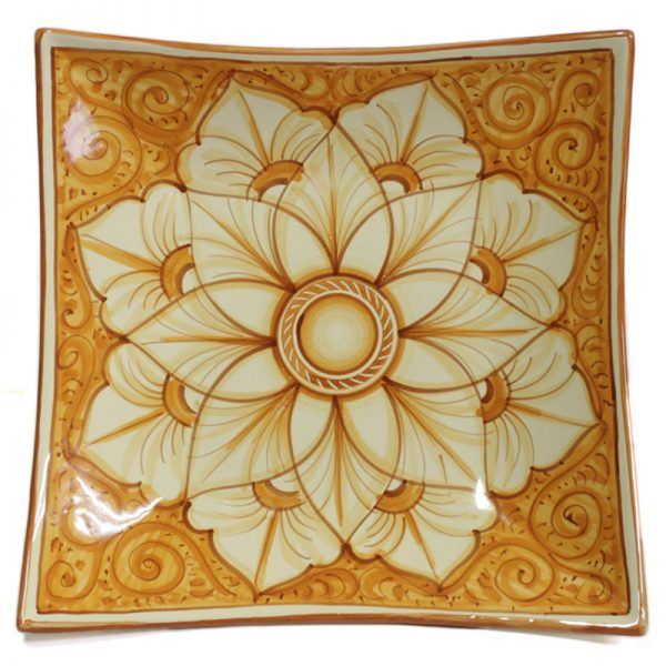 piatto quadrato in ceramica dipinto a mano in toscana, handpainted in tuscany squared plate in ceramic