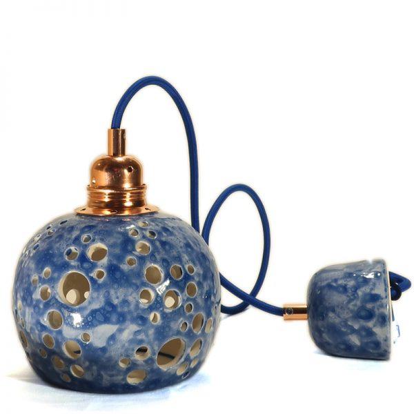 piccolo lampadario blu in ceramica artigianato artistico, blue pendant lamp in ceramic hand made in tuscany