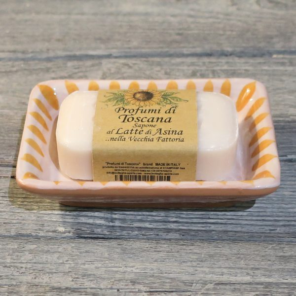 portasapone in ceramica dipinto a mano giallo arancio e saponetta al latte d'asina, hand painted ceramic soap dish yellow orange and donkey milk soap
