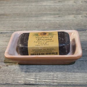 portasapone rettangolare in ceramica toscana e saponetta vegetale al vino rosso nobile, handcrafted ceramic soap dish tuscany and red noble wine vegetable soap