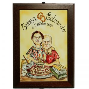 quadro in ceramica caricatura anniversario 50 anni nozze d'oro, ceramic painting with wooden frame custom gift caricature wedding anniversary