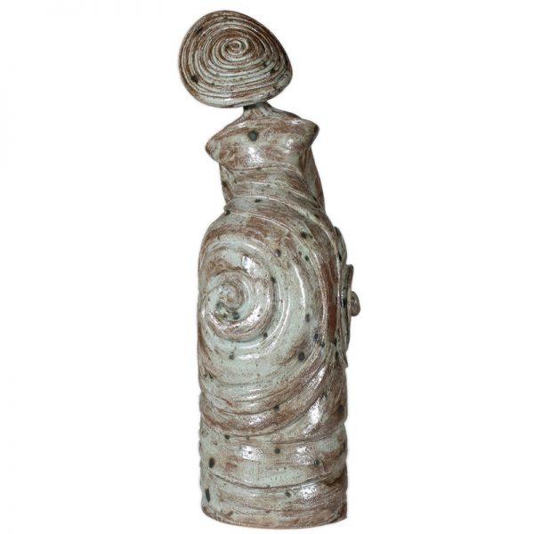 scultura donna colline toscane, woman sculpture tuscan hills