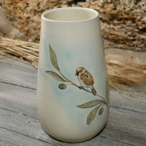 vaso ceramica uccelli dipinto a mano con passerotto e ramo di ulivo, ceramic vase with sparrow and olive branch hand-painted ceramic birds collection